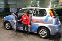 ホンダの燃料電池自動車、「FCX」。