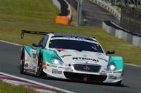 GT500クラスを制した、No.36 PETRONAS TOM'S SC430(中嶋一貴/ジェームス・ロシター組)。