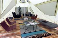各々のテントには、レクサスのSUV各モデルをイメージしたというインテリアがしつらえられていた。