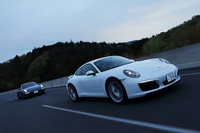 新しいターボエンジンを搭載した「911カレラ」と「911カレラS」が行く。テスターが結論として評価するのは、どちらのモデルか?(photo:北畠主税)
