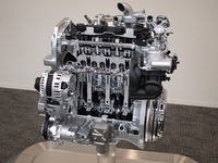 2.5リッター並みの高出力をうたう、新開発の1.6リッター直噴ターボ「MR16DDT」エンジン。2010年秋には「ジューク」に搭載されてデビューする。