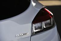 今回のマイナーチェンジで走りに磨きがかかった「メガーヌR.S.」。最高出力は250psから265psへ。価格は据え置きの385万円。