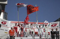 「ホンダHSV-010 GT」、初勝利をつかむ!【SUPER GT 2010】