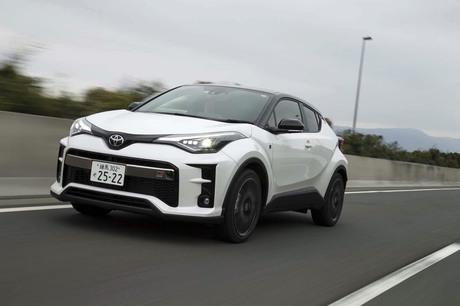 """トヨタのクロスオーバーモデル「C-HR」に、GAZOO Racingが開発を手がけた新グレード""""GRスポーツ""""が登場。..."""