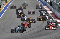 2008年フランスGP以来のフェラーリによるフロントロー独占となったが、ボッタスが会心のスタートを決めトップを奪うことに成功した。(Photo=Mercedes)