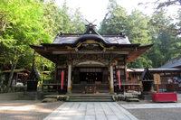 今からおよそ1900年前の、西暦110年に創立されたという寶登山神社。火災盗難よけ、諸難よけの守護神としての御神徳が高いのだとか。