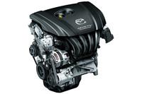 2リッター直噴ガソリンエンジンの「SKYACTIV-G」。