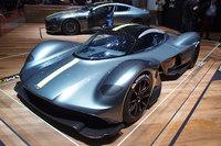 レッドブル・レーシングと共同開発中のミドシップスーパースポーツカーは「AM-RB 001」と呼ばれていたが、2017年3月のジュネーブショーで正式名称が「ヴァルキリー」であると発表された。