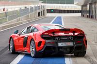 「650S」のさらなる高性能モデルとして登場した「675LT」。車名の「LT」とはロングテールの意で、1997年に登場した「F1」の高性能モデル「F1 GTRロングテール」にあやかったものだ。
