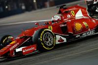 2位リカルドのレッドブルに対し、タイヤの持ちで不安があったトップのフェラーリ&ベッテル(写真)。しかし2度にわたるセーフティーカー導入で先頭集団がこぞってピットイン、タイヤ交換をしたことも幸いし、終始レースの主導権を握ることに。ベッテルは第2戦マレーシアGP、第10戦ハンガリーGPに次ぐ今季3勝目、通算勝利数でアイルトン・セナを抜き歴代3位に上がった。(Photo=Ferrari)