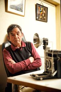 カメラマンとして、小林彰太郎さんとともに『カーグラフィック』創刊を支えた三本和彦さん。「当時の本を見ると涙が出そうになる。苦労して作ってたなぁって。命を削らないと作れないような時代だったからね」