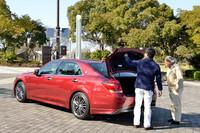 テスト車のハイブリッドモデルでは、450リッターのトランク容量が確保される(リアエアコン非装着車。床下スペースを含む)。ガソリン車はさらに広く、552リッターとなっている。