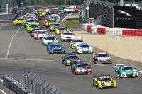 今年で45回目の開催となるニュルブルクリンク24時間レース。近年ではアウディ、メルセデス・ベンツ、BMWという、ドイツ勢による総合優勝争いが注目を集めている。
