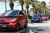 イタリア・フィナーレリグレで行われた「スマート・デイ」に集結した参加車たち。