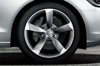「アウディA6」にスポーティーな限定車の画像