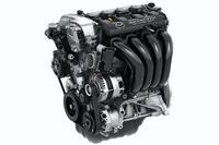 エンジンについては軽量化やフリクションロスの低減などを通し、燃費にも配慮。JC08モードで17.2~18.8km/リッターという燃費性能を実現している。