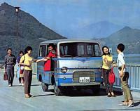 こちらは「10人乗りミニバス」(PB10-P型)。