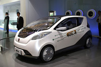 EVのコンセプトカー「栄威E1」。