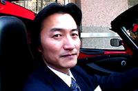 【写真上】「ロータス・エリーゼ111R」【写真下】エルシーアイ(株)南原竜樹代表取締役会長