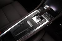 PDKは7段。燃料消費の低減を目的に、エンジンとトランスミッションを切り離す「コースティング」機能が備わる。