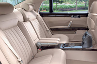 VWの最上級モデル「フェートン」がマイナーチェンジ