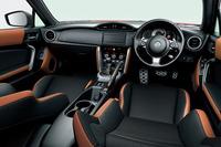 "「GT""Limited""」(6AT)のインテリア。内装色はタン&ブラック(オプション装着車)。"
