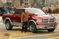 2008年1月のデトロイトショーのひとコマ。ダッジの人気車種「ラム」のハイブリッドバージョンを2010年にリリースすると発表。その発表を行ったのはジム・プレス氏だった(写真=クライスラー)。