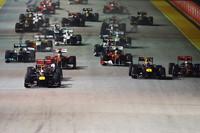 スタートでトップを守ったベッテル。フロントローのマーク・ウェバーは出だしが遅く、背後のルイス・ハミルトンを巻き添えに順位を大きく落とした。ジェンソン・バトンが2位、フェルナンド・アロンソが3位で続いた。(Photo=Red Bull Racing)