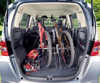 旧「モビリオ・スパイク」に相当する5人乗り仕様、「FLEX」の荷室。