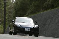 【スペック】     RX-8(4AT):全長×全幅×全高=4435×1770×1340mm/ホイールベース=2700mm/車重=1330kg/駆動方式=FR/水冷式直列654cc×2ローター(210ps/7200rpm、22.6kgm/5000rpm)/車両本体価格=240.0万円