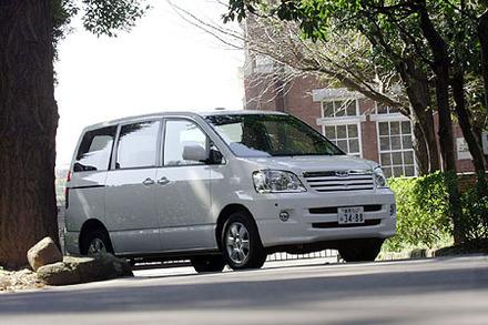 トヨタ・ノアL(4WD/4AT)【ブリーフテスト】