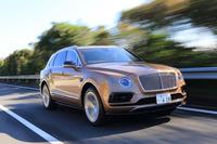 動力性能は、0-100km/h加速が4.1秒で、最高速は301km/h。