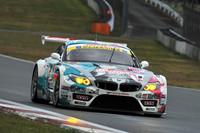 GT300クラスは、シーズン中の勢いそのままに、No.4 初音ミク グッドスマイルBMWが決勝レースを2戦連続で制した。