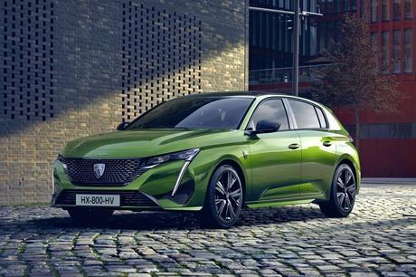 プジョーの基幹車種であるハッチバック「308」がフルモデルチェンジ。3代目となる新型が、2021年3月18日に...