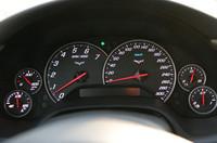 速度計のスケールは、公称最高速度と同じ300km/h。ちなみに、テストコースで「299km/h」に達した瞬間の写真が、GM社内に出回ったという逸話があるとかないとか。