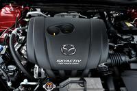 試乗したのは2リッター直4ガソリンエンジン(155ps、20.0kgm)に6ATを組み合わせたモデル。余談だが、去る1月に6MTを搭載したモデルの受注が開始された。こちらは2014年4月に発売の予定。