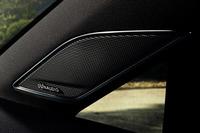 「ゴルフ/ゴルフヴァリアント ディナウディオエディション」には、9スピーカー、10チャンネルからなるサウンドシステムが装着される。