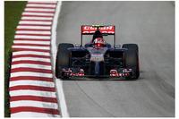 開幕戦オーストラリアGPで9位に入り最年少入賞記録を更新したばかりのダニール・クビアトが、予選11位から10位完走で2戦連続となる入賞。19歳のロシア人ドライバーはルーキーらしからぬ落ち着いたレース運びを見せている。(Photo=Toro Rosso)