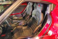 シートのタイプは、仕様・オプションにより、ファブリックとレザー、レザー×アルカンターラのコンビが用意される。