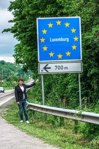 700m先にある国境を越えると、いよいよルクセンブルクに入る。