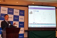 新たな再生タイヤ管理システム「e-Retread」について説明する、日本ミシュランタイヤ トラック・バス事業部の小林史礼氏。