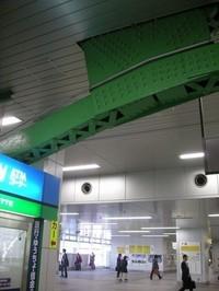 近年リニューアルされた秋葉原駅でも橋脚がちらり。