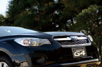 ヘキサゴングリルやホークアイヘッドライトなど、「レガシィ」とも共通するデザインが採用されたフロント周り。