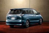 外板色は、新色のグレイッシュブルーマイカメタリック(写真)、アイスチタニウムマイカメタリックを含む全6色が用意される。