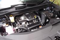 「RX200t」に搭載される2リッター直4直噴エンジン。1650rpmという低回転域から最大トルクを発生する。