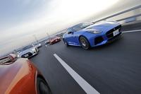 フロントエンジン車2台、ミドエンジン車2台、リアエンジン車1台という布陣で行く、4WDのスポーツモデルたち。(photo:北畠主税)