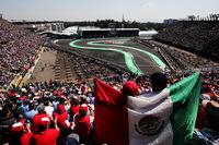 2015年、23年ぶりにF1が戻ってきたメキシコGPは今年もチケット完売の人気ぶりで、母国のヒーローであるセルジオ・ペレス(写真)にはひときわ大きな声援が送られていた。9番グリッドスタートのペレスは、バーチャル・セーフティーカーのタイミングでランス・ストロールのウィリアムズに抜かれてしまったものの、安定した速さで7位入賞を果たした。チームメイトのエステバン・オコンも5位に入り、中堅チームのフォースインディアは3強(メルセデス、フェラーリ、レッドブル)に次ぐコンストラクターズランキング4位を決めた。(Photo=Force India)