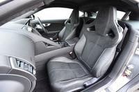 テスト車の「スウェードクロス・パフォーマンスシート」。セットオプション「スウェードクロスインテリアパック」(46万3000円)に含まれる。