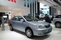 2009年に中国で一番売れた乗用車、「BYD F3」。一見フツーのセダンだが……。