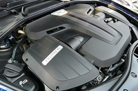 V8エンジン搭載「フライングスパー」日本初公開の画像